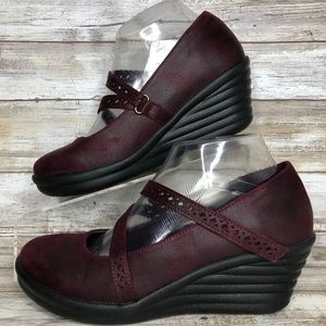 Skechers Shoes - SOLD